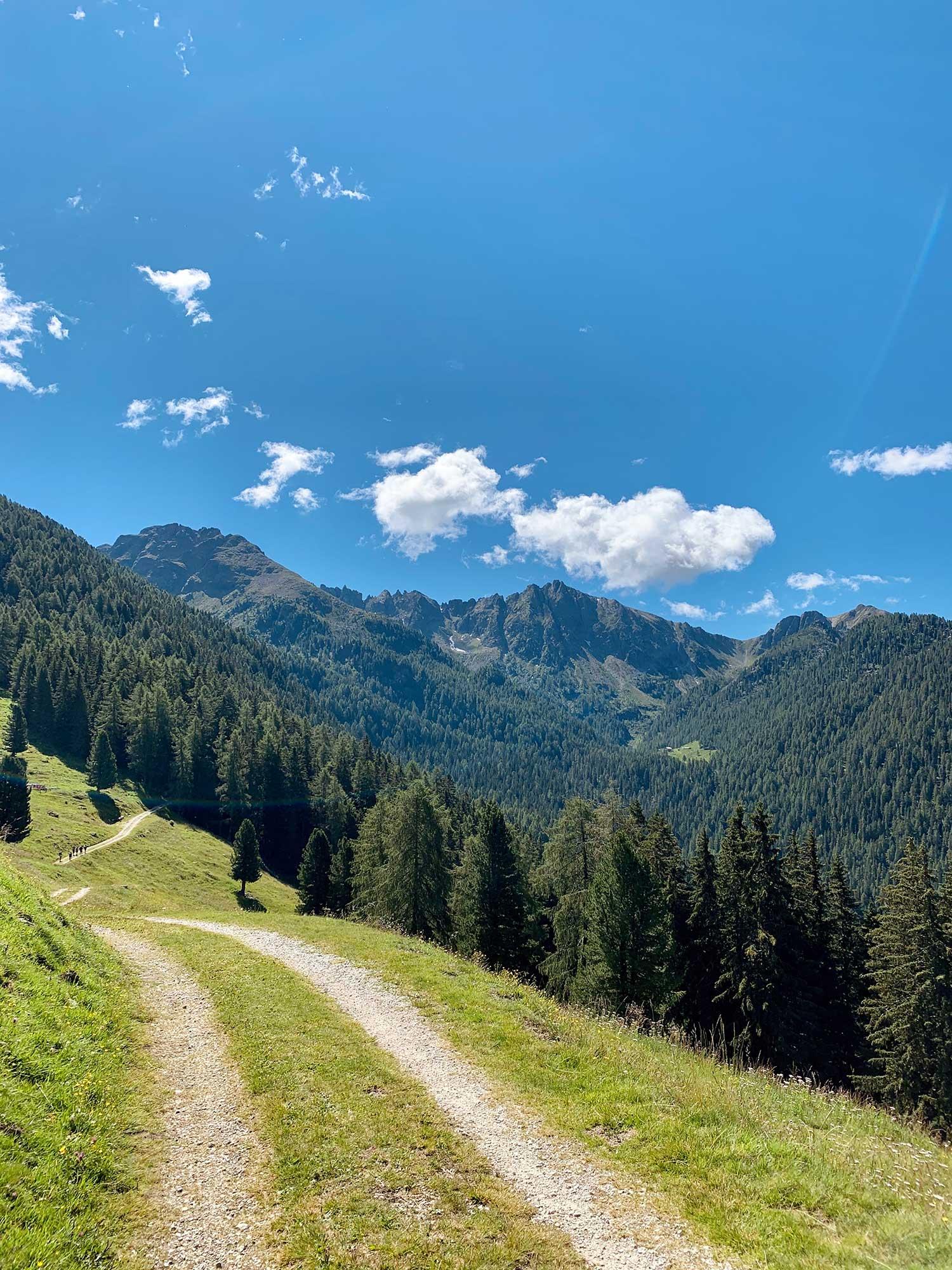 sentiero rifugio caldenave