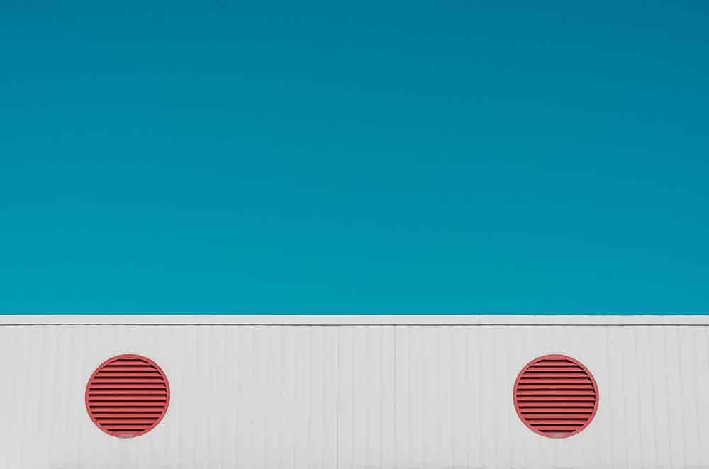 La linea e il cerchio: due visioni di economia